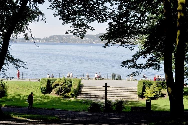 Nordnesparken med utsikt over byfjorden. Foto.